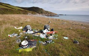 fly tipping at the beach